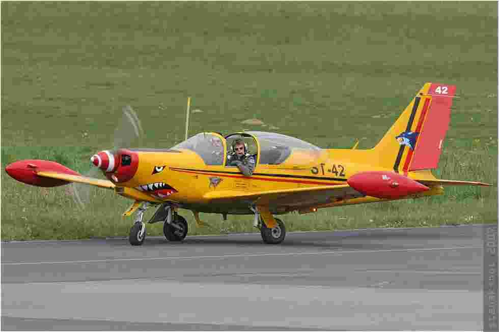 tofcomp#2147 SF.260 de la Force aérienne belge au roulage à Deauville (FRA) en 2007