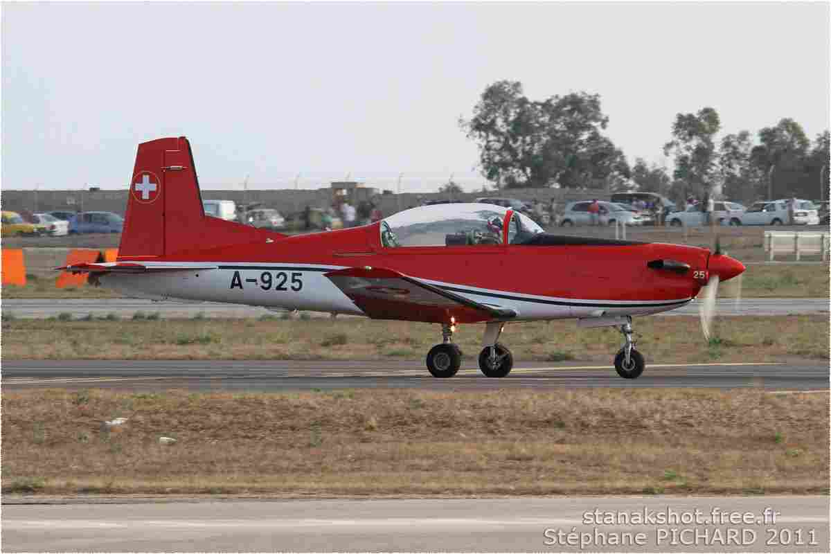 tofcomp#2329-PC-7-Suisse-air-force
