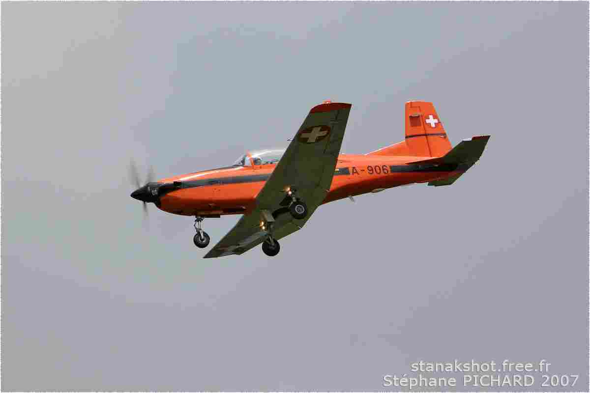 tofcomp#2439-PC-7-Suisse-air-force