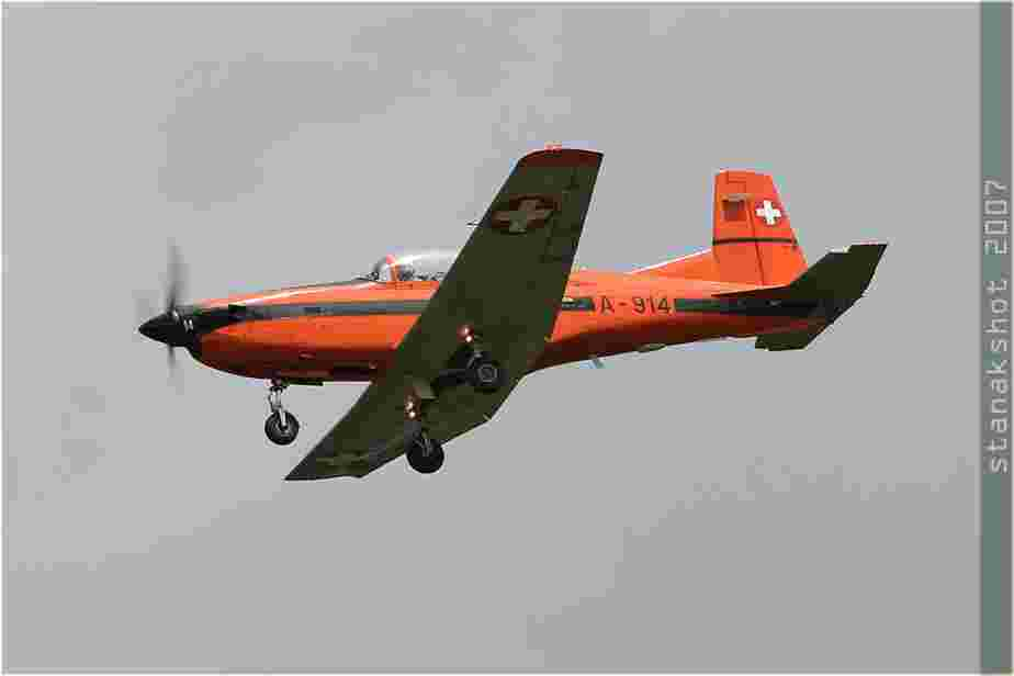tofcomp#2441-PC-7-Suisse-air-force