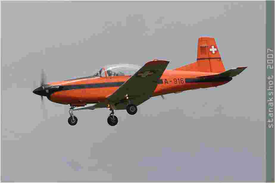 tofcomp#2442-PC-7-Suisse-air-force