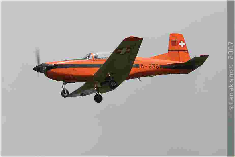 tofcomp#2445-PC-7-Suisse-air-force