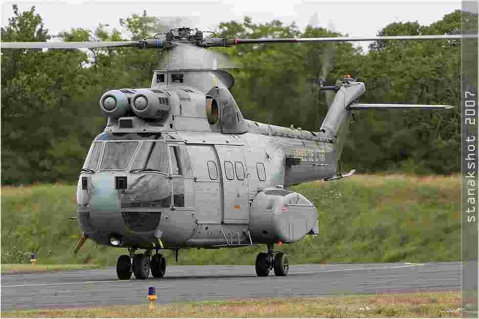 tofcomp#2678 Puma de l'Armée de l'Air française au roulage à Châteaudun (FRA) en 2007