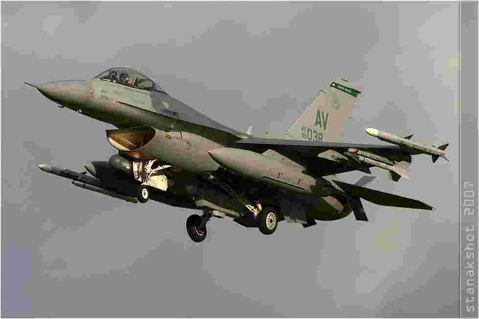 tofcomp#3186 F-16 de l'US Air Force à l'atterrissage à Florennes (BEL) lors du TLP 2007-6