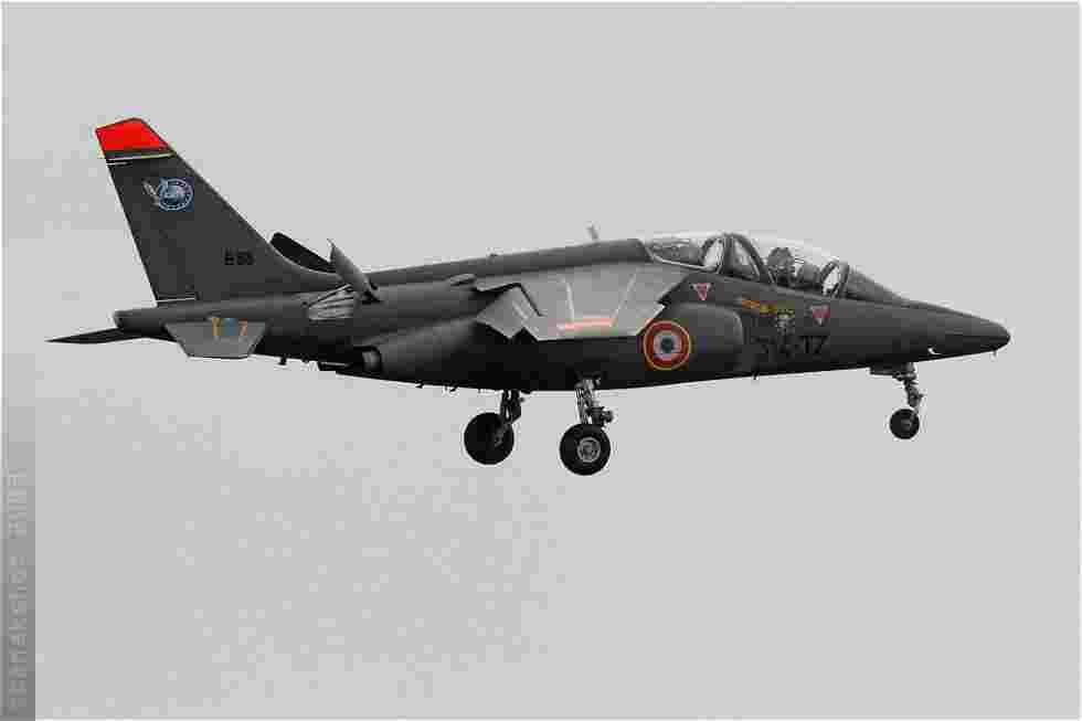 tofcomp#4110 Alphajet de l'Armée de l'Air française à l'atterrissage à Tours (FRA) en 2009
