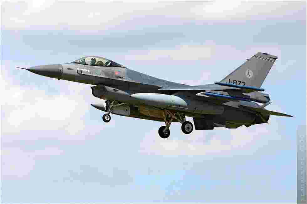 tofcomp#5114 F-16 des Forces aériennes royales néerlandaises à l'atterrissage à Yeovilton (GBR) en 2010