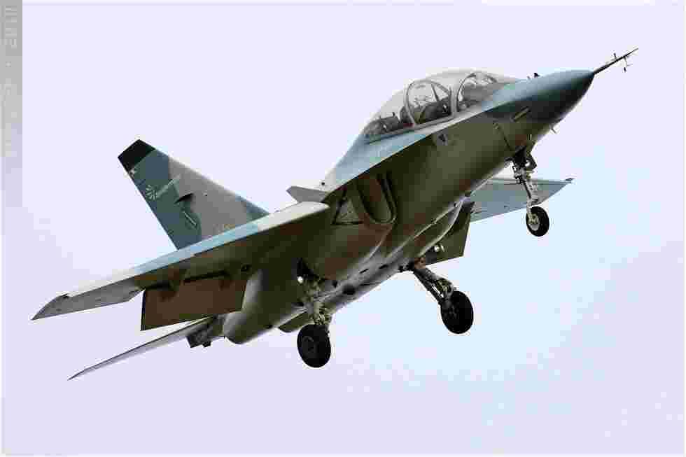 tofcomp#5288 M-346 enregistré en Italie à l'atterrissage à Fairford (GBR) lors du RIAT 2010