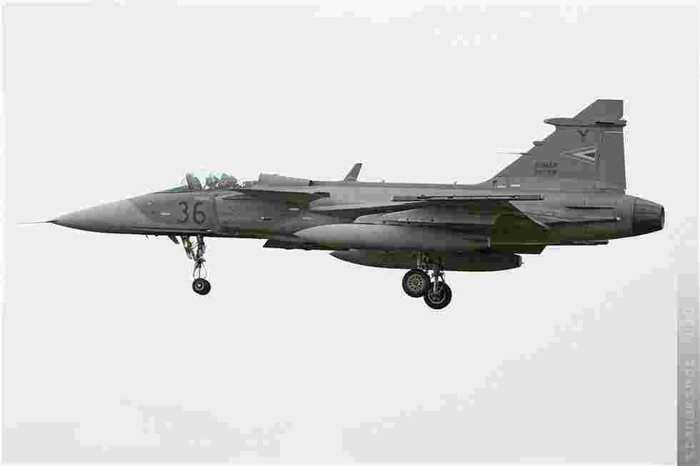 tofcomp#5437 Gripen de la Force aérienne hongroise à l'atterrissage à Volkel (NLD) lors du NTM 2010