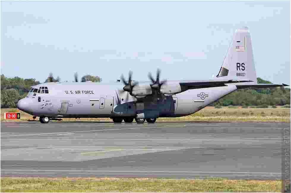 tofcomp#5640 C-130 de l'US Air Force au roulage à Deauville (FRA) lors du G8 2011