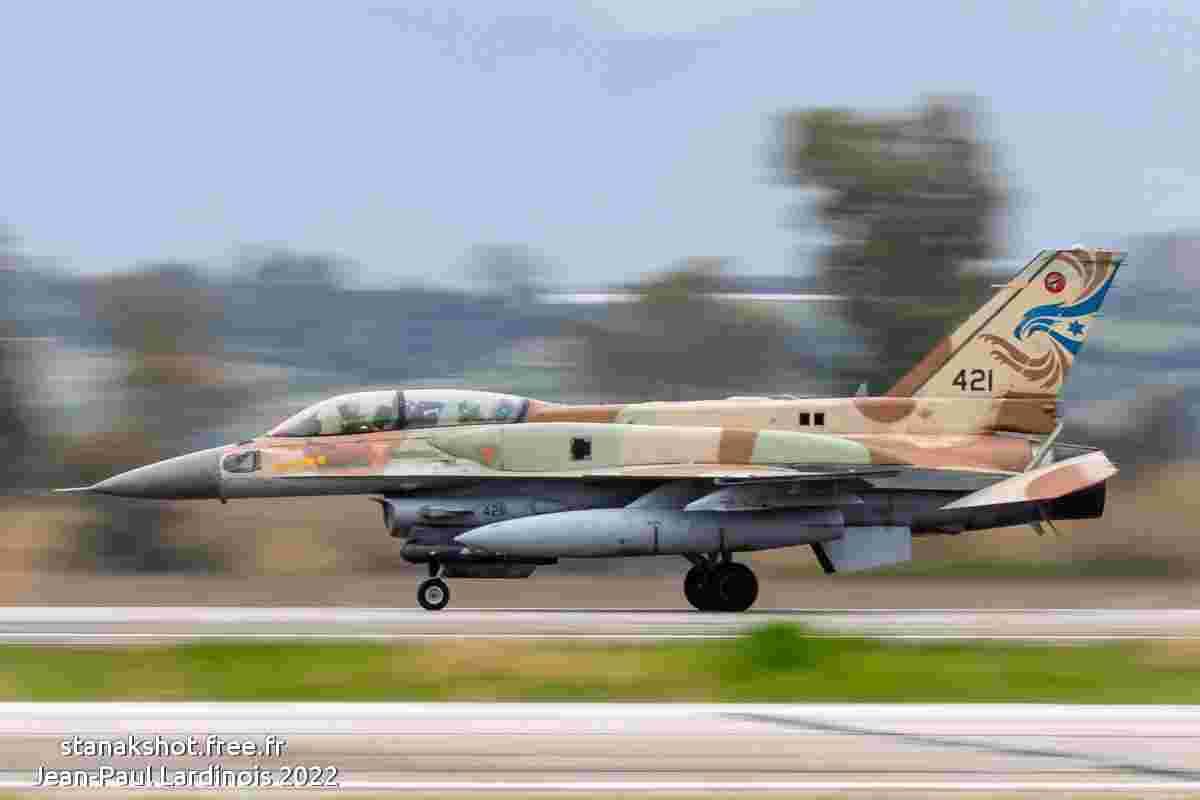 tofcomp#5672 An-26 de la Force aérienne slovaque au décollage à Çiğli (TUR) en 2011