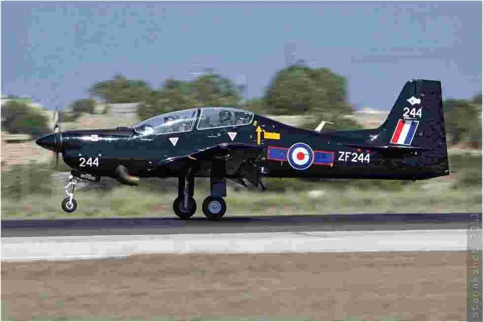 tofcomp#5984 Tucano de la Force aérienne royale britannique à l'atterrissage à Luqa (MLT) en 2011