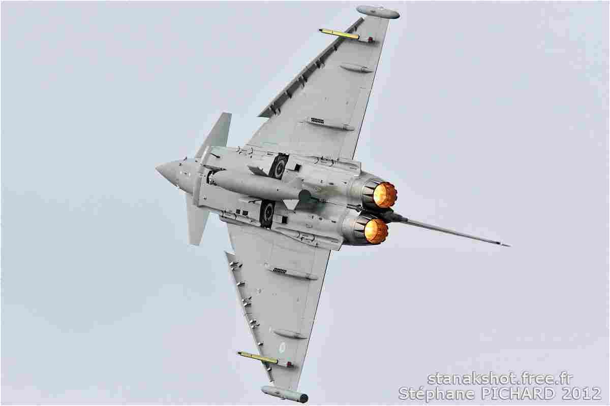 tofcomp#6234 Typhoon de la Force aérienne royale britannique au décollage à Fairford (GBR) lors du RIAT 2012