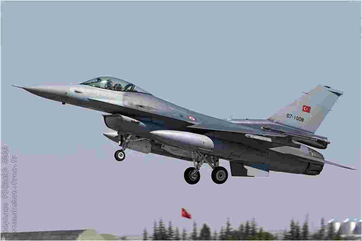 tofcomp#7086 F-16 de la Force aérienne turque à l'atterrissage à Konya (TUR) lors du Anatolian Eagle 2013