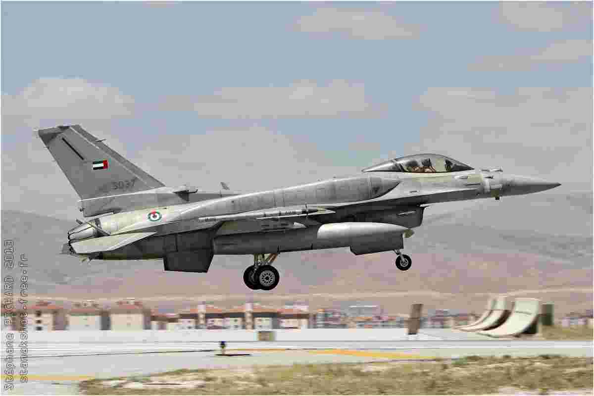 tofcomp#7103-F-16-Emirats-Arabes-Unis-air-force