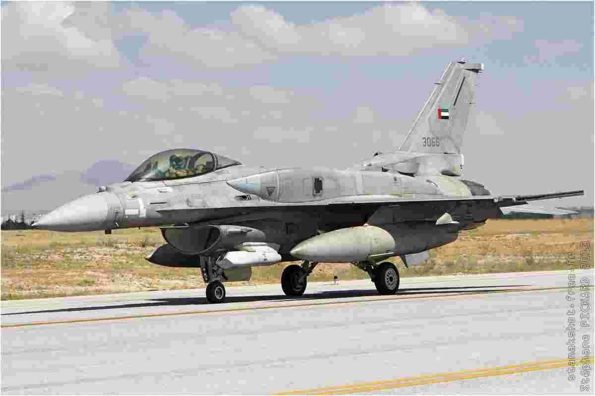 tofcomp#7106-F-16-Emirats-Arabes-Unis-air-force