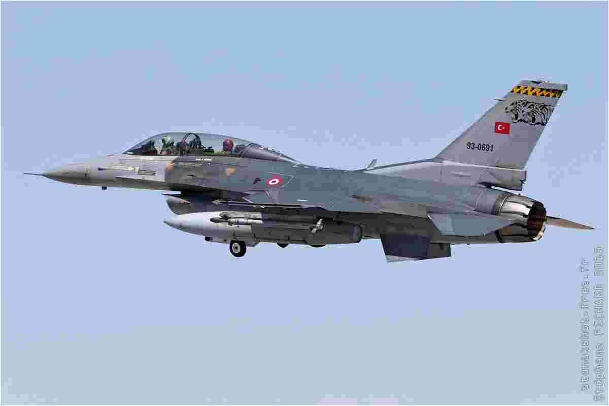 tofcomp#7126 F-16 de la Force aérienne turque au décollage à Konya (TUR) lors du Anatolian Eagle 2013