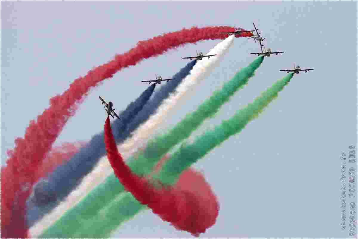 tofcomp#8357 MB-339 de la Force aérienne des Émirats arabes unis en patrouille à Langkawi (MYS) LIMA 2015