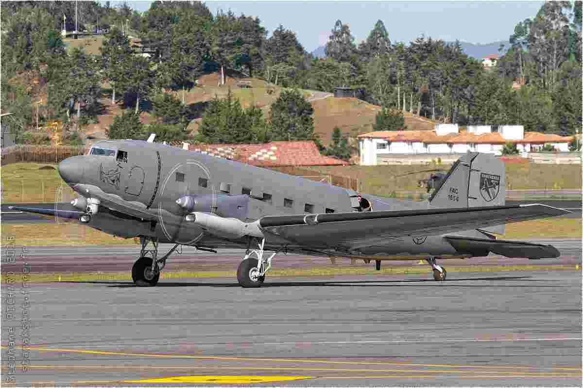 tofcomp#8652-DC-3-Colombie-air-force