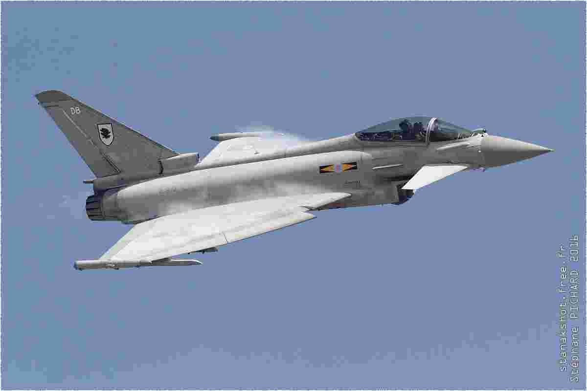 tofcomp#9032 Typhoon de la Force aérienne royale britannique en démonstration à Sakhir (BHR) BIAS 2016