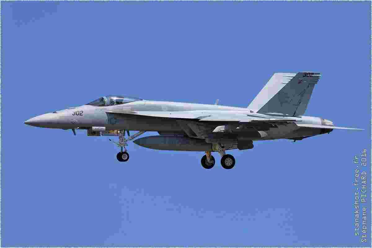 tofcomp#9133 F-18 de la Marine américaine à l'atterrissage à Oceana (VA, USA) en 2016