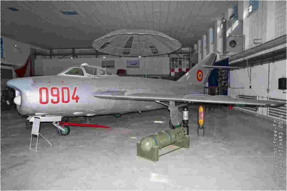 tofcomp#9735-MiG-17-Roumanie-air-force