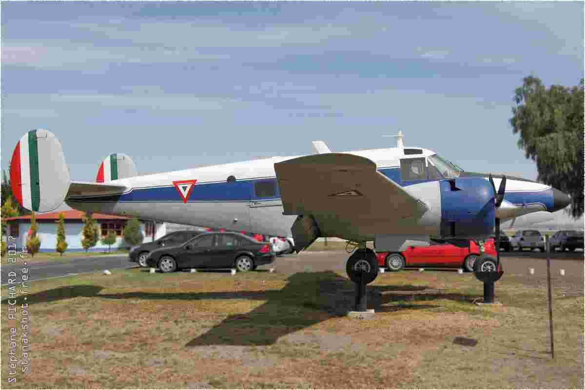 tofcomp#9856-Beech-18-Mexique-air-force