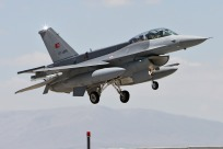 tn#7136-Lockheed Martin F-16D Fighting Falcon-07-1025